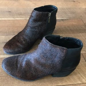 Clarks artisan horse hair with leather boots 7.5M
